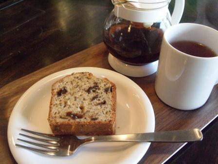 紅茶とプルーンのパウンドケーキ